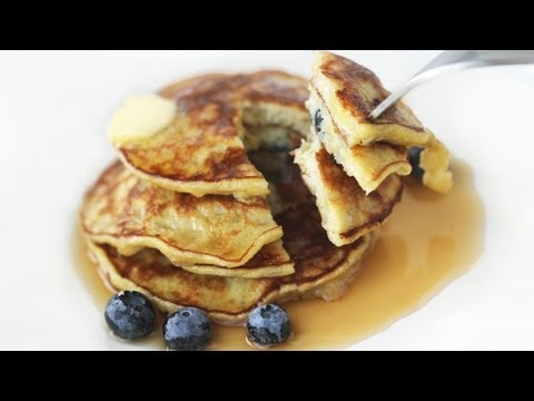 3-Ingredient Banana Pancakes Gluten-Free Flourless Recipe 바나나 팬케익 만들기 - 한글자막