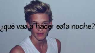 Repeat youtube video Cody Simpson - Pretty Brown Eyes (Español)