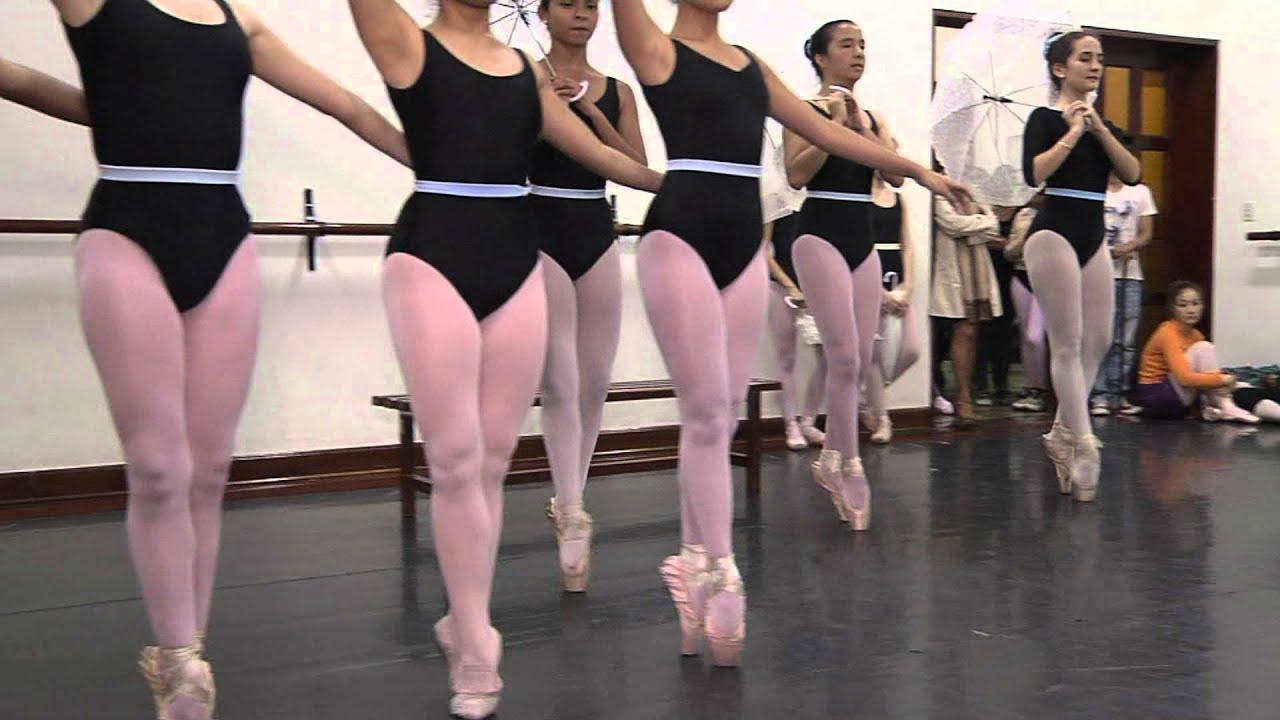 Academia de ballet en latex 4