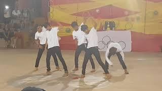 Jovenes bailan igual que bts #2