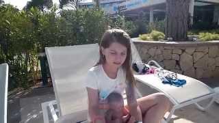 Купаемся в бассейне с Машей и Майклом(Всем привет! Мы с моими куклами Машей и Майклом теперь в Турции! И в этом видео я покажу вам, как мы с ними..., 2015-04-27T20:31:20.000Z)