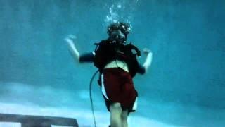 Under Water with the Kodak Playsport ZX5 (Scuba in pool)