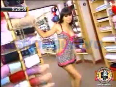Melissa Garcia lanza su coleccion de lenceria