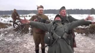 Реконструкторы поют песню из фильма Титаник