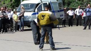 Показательные ГУВД кинологи задержание преступника.MP4