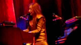Tori Amos - Strong Black Vine 8/1/09 DAR Constitution Hall