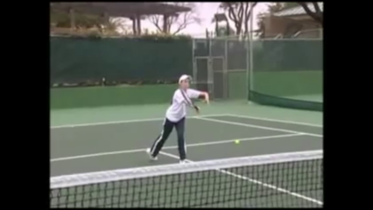 How to Control your Volleys Without Swinging in Tennis