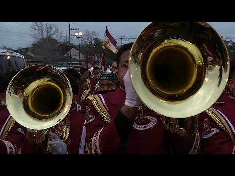 McDonogh 35 vs West Jefferson Marching Band - 2018 Bacchus Mardi Gras Parade