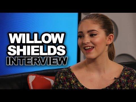 Willow Shields Spills Jennifer Lawrence Set Secrets & Talks Prim in Catching Fire