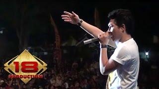 Armada - Mau Dibawa Kemana    Live Konser Ciparay Bogor 23 November 2013