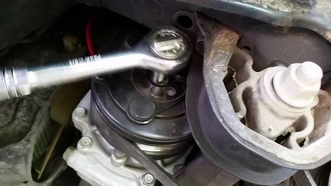 TEMPORARY AC fix on 98 Honda Civic by removing AC Clutch shim - YouTube