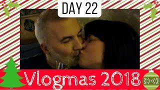 Vlogmas Day 22 - Family Baking and a Wedding Anniversary