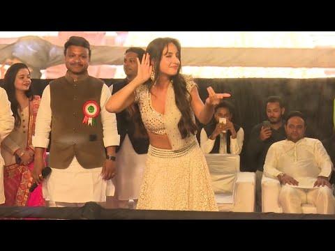 Dilbar Dilbar Song/ Nora Fatehi Hot dance in Maharashtra