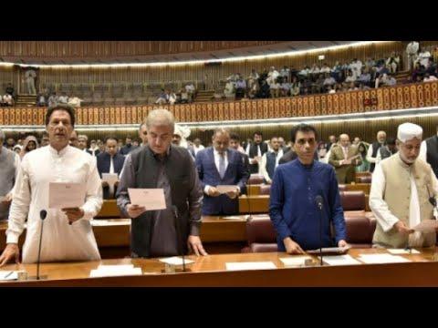 باكستان: البرلمان ينتخب بطل الكريكت العالمي عمران خان رئيسا للوزراء  - نشر قبل 1 ساعة