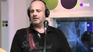 Radio 538: BLØF - Is dit alles (Doe Maar cover) (live bij Evers Staat Op)
