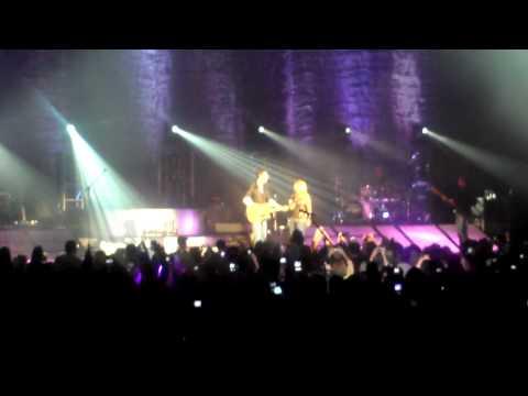 Blake Shelton- Home ft. Miranda Lambert 3/19/11