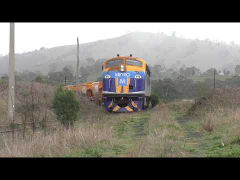 Metro B Class Locomotives and Others on the North East Line - Australian Trains