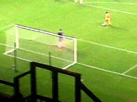Liam Miller Penaltie - Celtic 3-1 Hibs - 06.04.2011