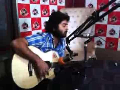 Milne Hai Mujhse Aayi - Arijit Singh Singing Live