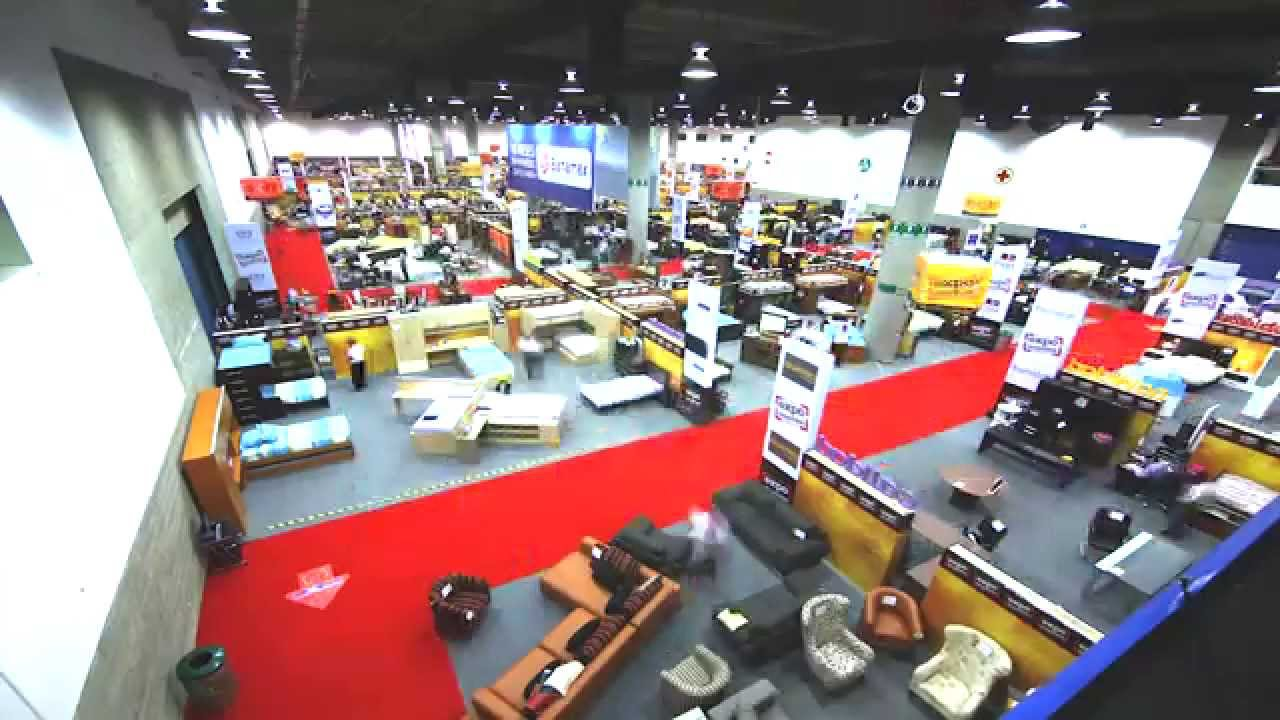 As es como se realiza expo muebles d 39 europe youtube for Muebles europa confort sa