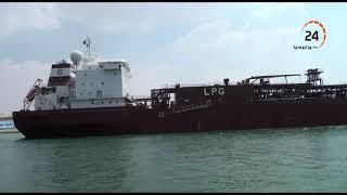 بالفيديو مميش: 52 سفينة حمولتها 3.6 مليون طن تعبر قناة السويس اليوم