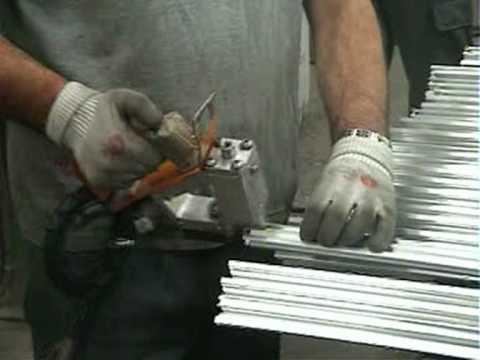 CDR Maquinaria Aluminio, Hierro y PVC - Punzonadora Hidráulica PLA-606
