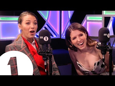 """Look at me, I'm Rynal Reynolds!"": Blake Lively & Anna Kendrick play BLANK SPACE"