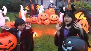 Happy Halloween!!!  トリックオアトリートをしてお菓子をたくさんもら...