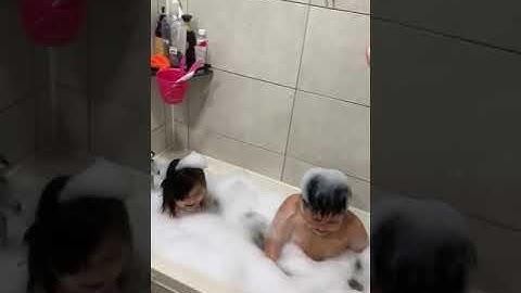 거품목욕 아기 / 찐 흔한남매 / 물장난