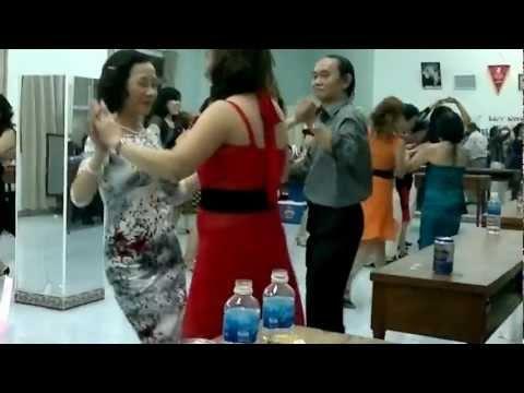 khieu vu DUONG SINH -ba cha ta-  CLB Nhịp sống vui sinh nhật 26/02/2013 Phần 9