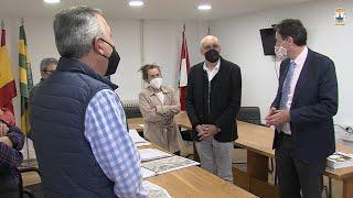 Visita de José Luis Gochicoa, al Ayuntamiento de Miengo