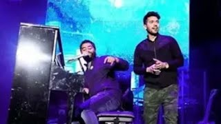 Bas itna hai tumse kehna 😍 Arijit Singh VS Arman malik - beautiful live performance at gana festiva