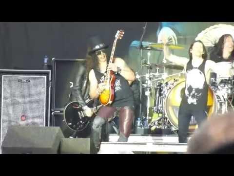 Slash ft Myles Kennedy & The Conspirators - Paradise City [Download Festival 2015]