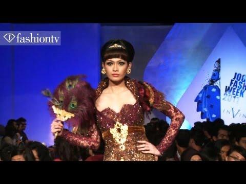 """In Vintage"" - Jogja Fashion Week 2011, Yogjakarta Indonesia | FashionTV - FTV ASIA"