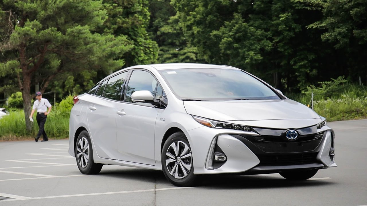 release date and price 2017 toyota prius prime plug in hybrid for sale youtube. Black Bedroom Furniture Sets. Home Design Ideas