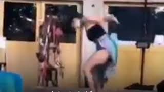 شاهدوا فتاة سعودية رقص مع سورة الفتح الآية القرآن الكريم عاريه في أمريكا