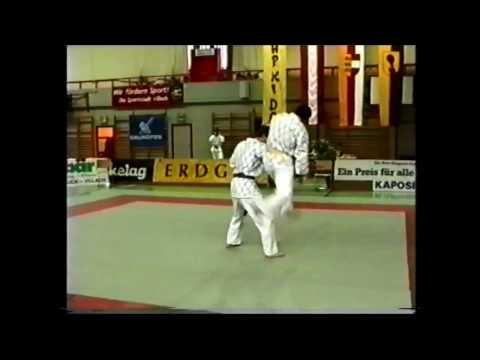 HAPKIDO ÖM 1997 - Villach - Programm Löhner/Oberleitner von YouTube · Dauer:  2 Minuten 51 Sekunden