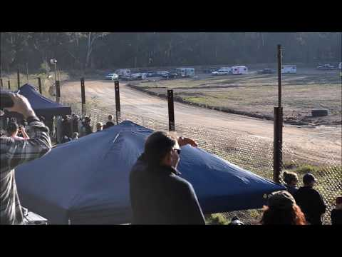 Daylesford Speedway Caravan Race (full)  Mothers Day 2017: Ethan Brown Photography