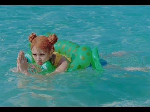 Twice's new comeback got us sh00k