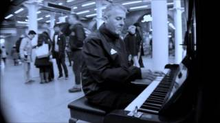 COOL PIANO BLUES at St Pancras Station