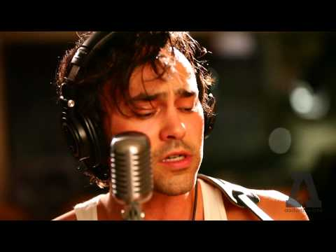 Shakey Graves - Roll the Bones - Audiotree...