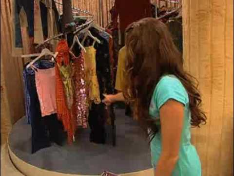 Miley Cyrus Talkin' about Hannah Montana' s Clothes