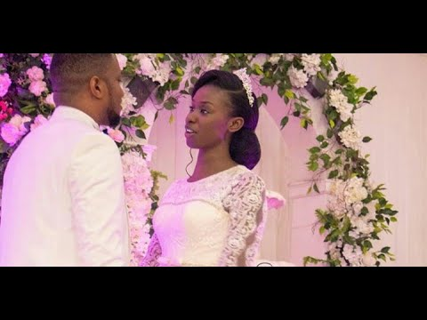 FIRST KISS, FIRST FEEDING, FIRST DANCE, LAWRENCE OYOR SANG FOR HIS WIFE DARASIMI #DL2020 was great