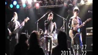 2010/1/22 松江AZTiC canova で行われた同窓会LIVE から2曲目。