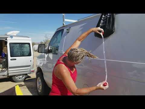 Caravan Carolyn hair washing technique at Slab City!