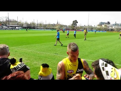 Dusty Martin signs autographs - Friday 22 September 2017 - Punt Road