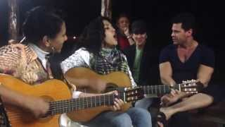 Eduardo costa e as irmãs Freitas ao vivo.