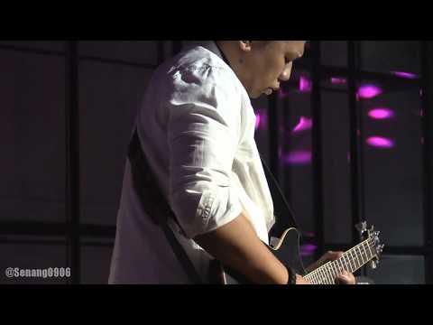 Glenn Fredly - Cukup Sudah ~ Sandhy Sondoro - Anak Jalanan @ Empirica Club [HD]