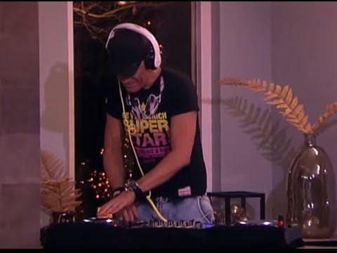 DJ Jean toont zijn skills