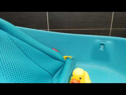 Yellow Duck In Skip Hop - Moby Bath Tub (Bath Time)
